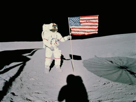 Imagen de Alan B. Shepard en la Luna durante la misión Apolo XIV