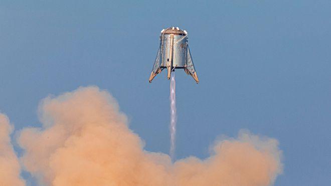 La Starshopper de SpaceX alcanza los 150 metros de altura
