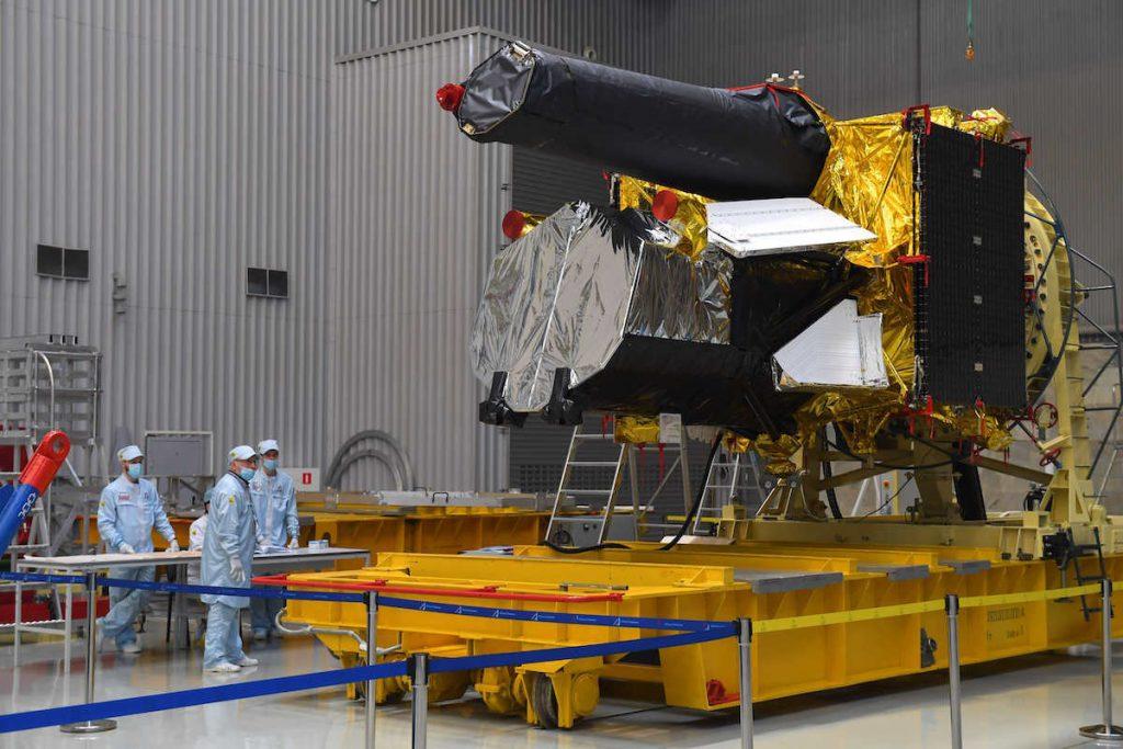 eROSITA junto al telescopio ruso ART-XC antes de su lanzamiento.