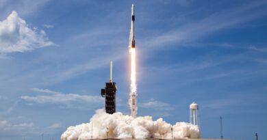Lanzamiento y acoplamiento de la DRAGON-2 de SpaceX