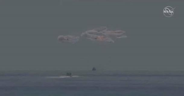 La Crew Dragon de SpaceX ameriza con éxito