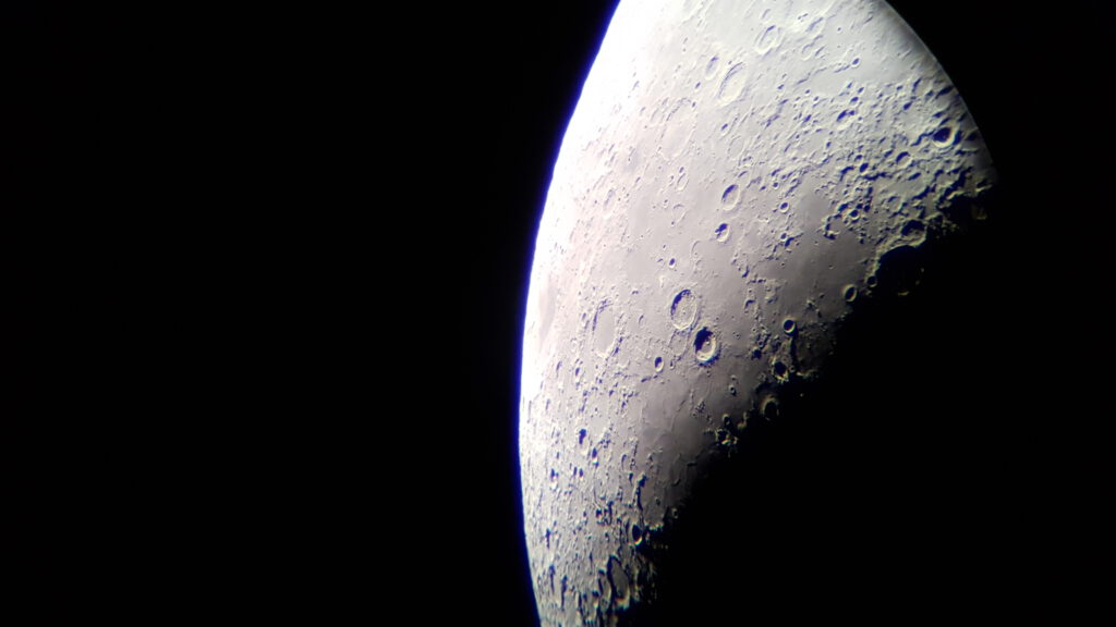 Astrofotografía con un móvil de la Luna