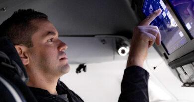 Jared Isaacman a bordo de la Crew Dragon de SpaceX. Misión Inspiration4