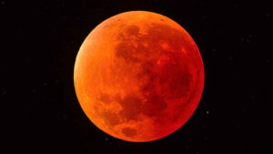 Un eclipse lunar total será uno de los eventos astronómicos protagonistas de este mes de mayo